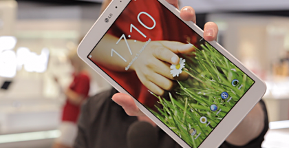 Het design van de LG Optimus G Pad 8.3 is lekker fris