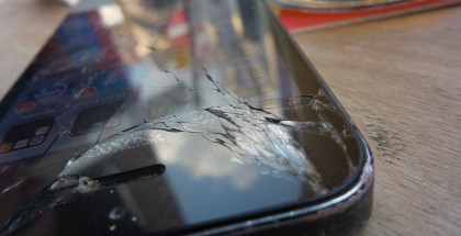 Het scherm van een kapotte iPhone