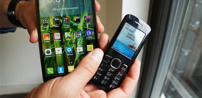 6 inch Alcatel Pop Mega heeft minitelefoontje 'voor erbij'