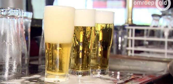 Ultieme gadget: zelf-afschuimend bierglas
