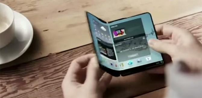 De wandelgangen met HTC WF5w, LG G5 en Samsung's vouw-foon
