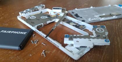 Fairphone 2 uit elkaar